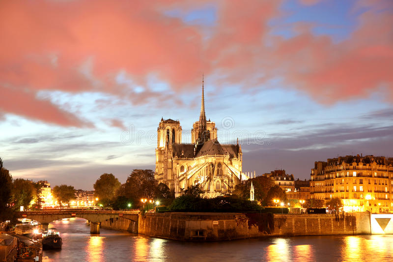 Notre Dame domkyrka i Paris, Frankrike royaltyfria foton