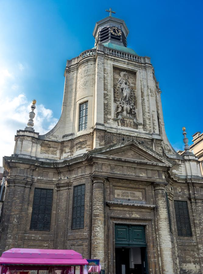 Notre Dame Du菲尼斯泰尔省教会在布鲁塞尔,比利时,欧洲 库存照片