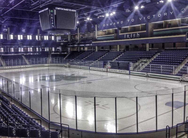 Notre Dame Hockey arkivfoto