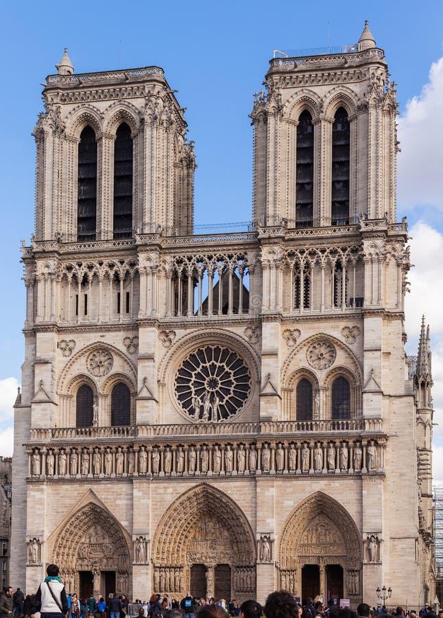 Notre Dame, Igreja Católica Famosa, Marco Do Turismo Em Paris França ...