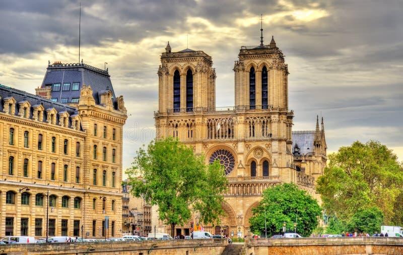 Notre-Dame-Kathedraal in Parijs - Frankrijk royalty-vrije stock afbeelding