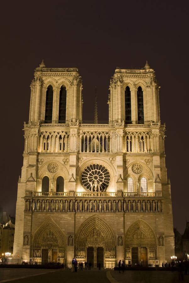 Notre Dame la nuit photos libres de droits