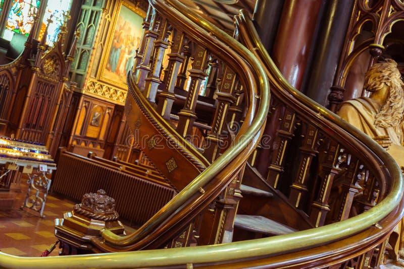 Notre Dame Montreal, spiraltrappuppgångar royaltyfri foto