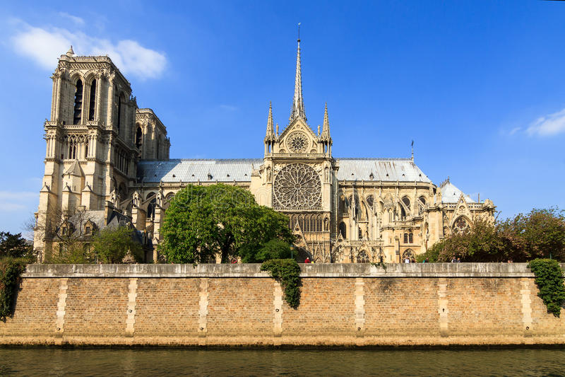 Notre-Dame sidosikt royaltyfria bilder