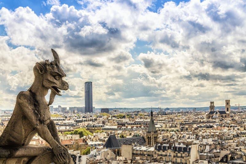 notre Paris de gargouille de dame de cath?drale photo stock