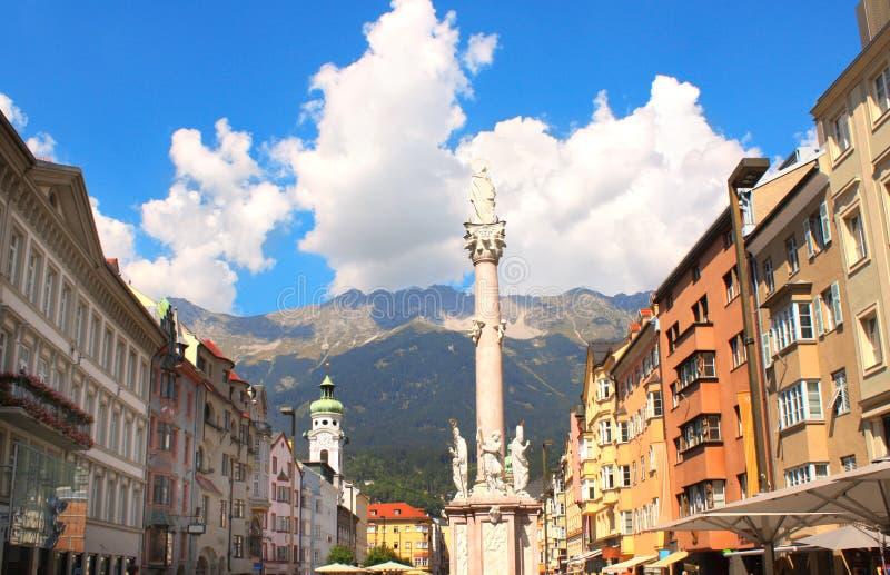 Notre statue de Madame à Innsbruck, Autriche photographie stock libre de droits
