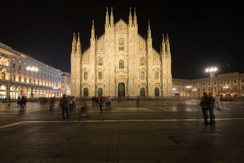 Notte ai Di Milano, Italia del duomo fotografia stock