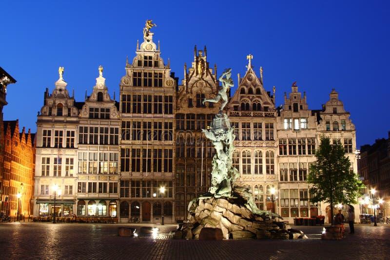 Notte Anversa fotografie stock libere da diritti