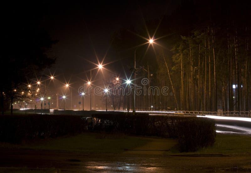 Notte in città fotografia stock libera da diritti