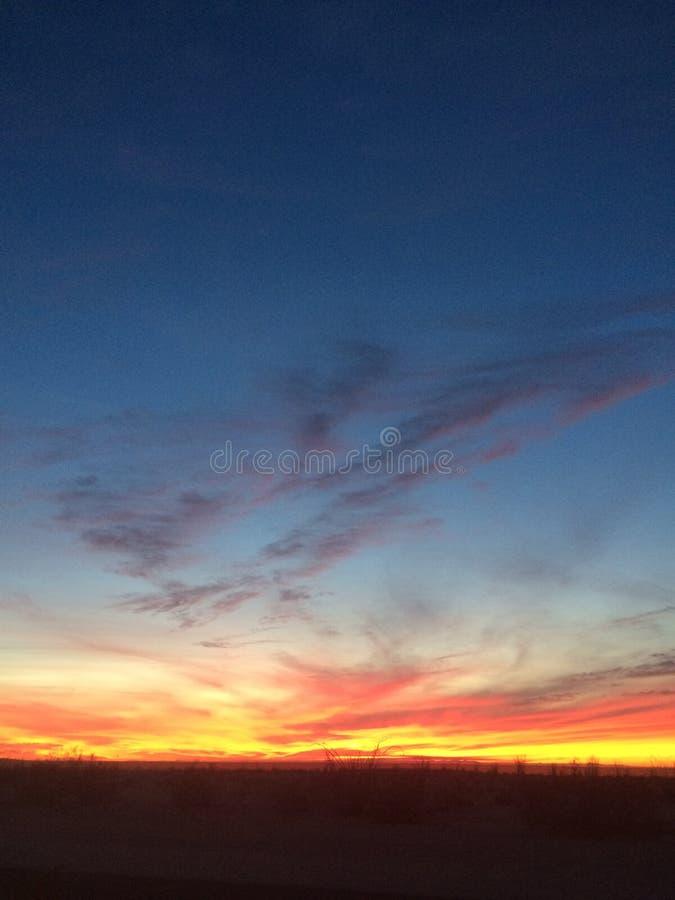 Notte del deserto di tramonto fotografie stock
