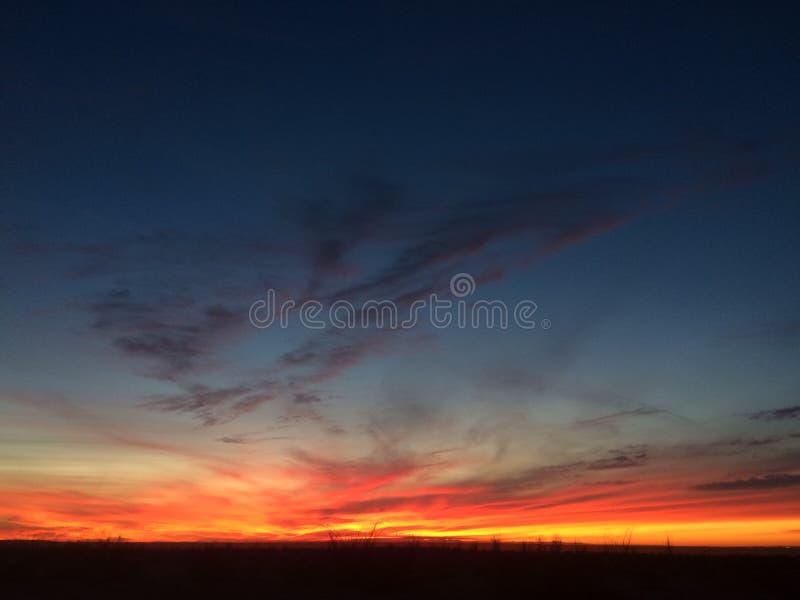 Notte del deserto di tramonto fotografia stock libera da diritti
