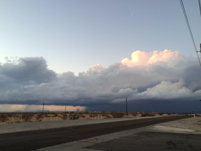 Notte del deserto di tramonto fotografia stock