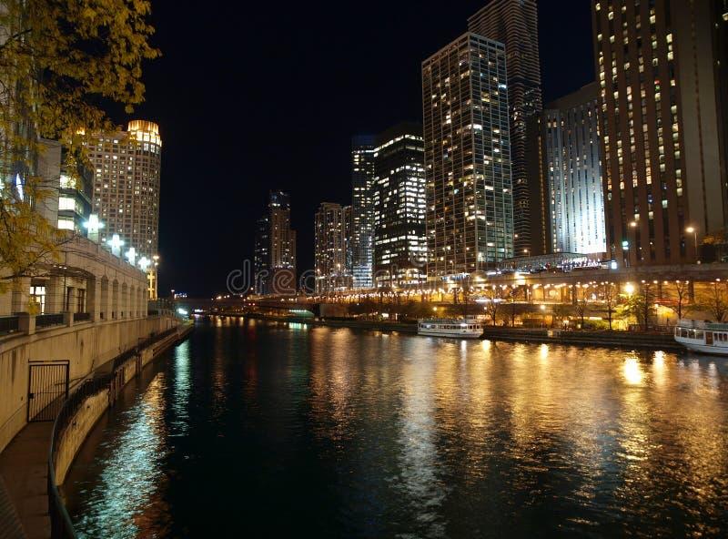 Notte del fiume del Chicago fotografia stock libera da diritti