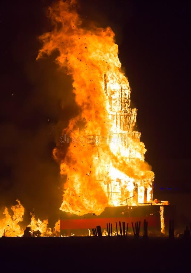 Download Notte Del San Anastasi Demone Bruciante Immagine Stock - Immagine di festività, spain: 56878495