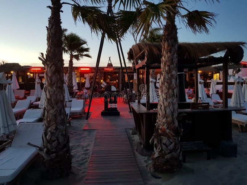 Notte della barra della spiaggia immagini stock libere da diritti