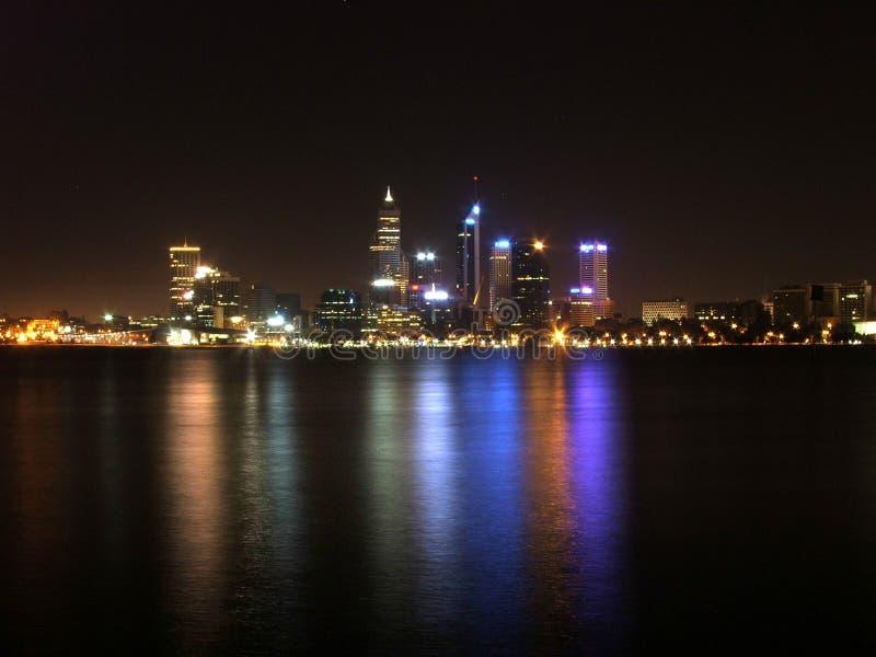 Notte della città di Perth immagini stock