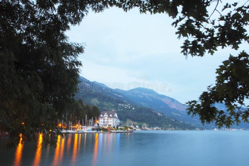 Notte della riva del lago di Lucerna fotografia stock