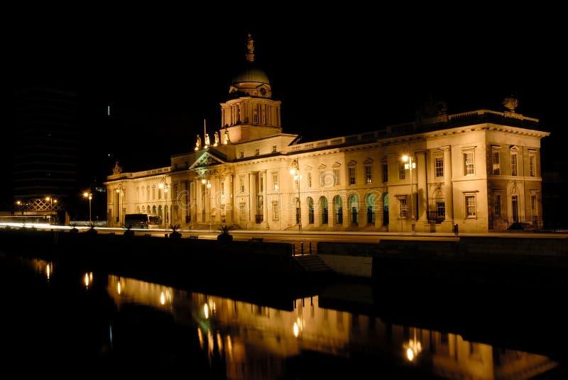 Notte di Dublino, Nord del Liffey, Hous su ordinazione immagine stock
