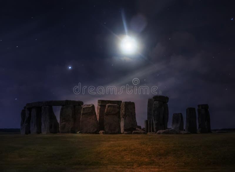 Notte di fantasia a Stonehenge fotografie stock