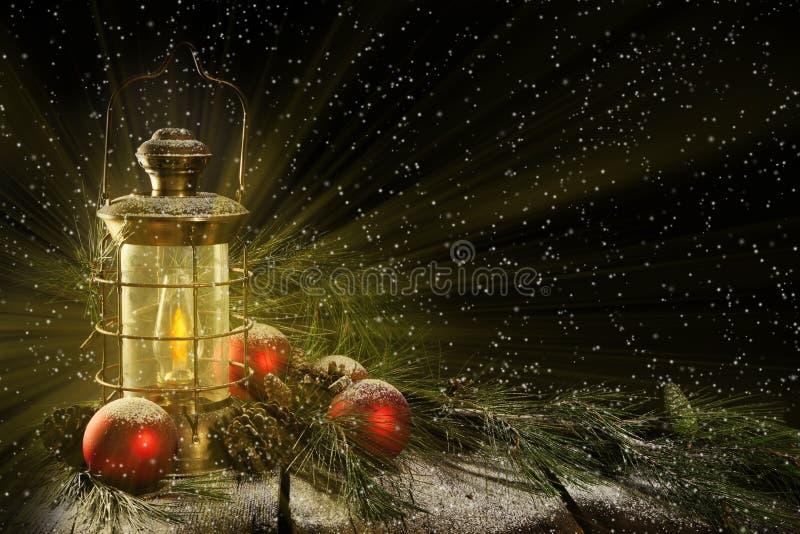 Notte di Natale d'ardore della lanterna fotografia stock libera da diritti
