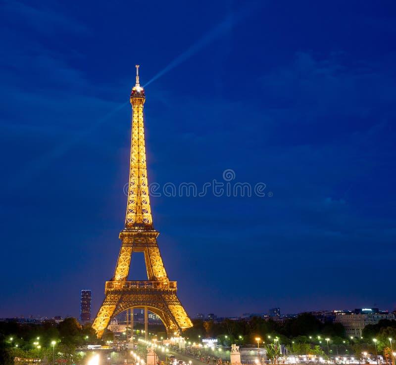 Notte di Parigi della torre Eiffel fotografia stock