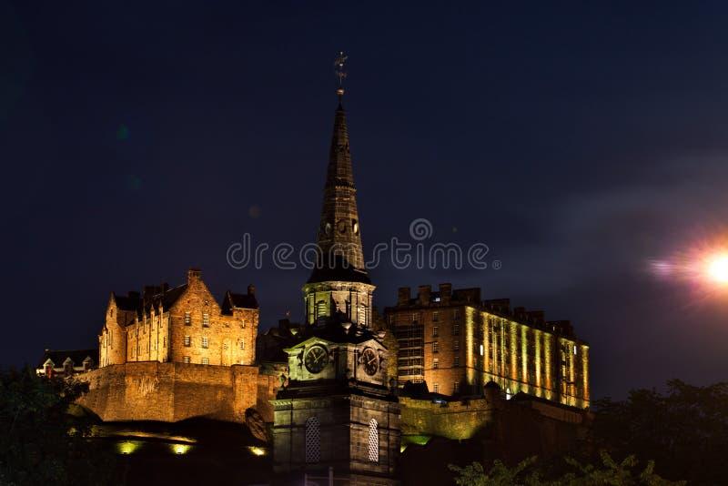 Notte di San Silvestro dei fuochi d'artificio del castello di Edimburgo immagine stock