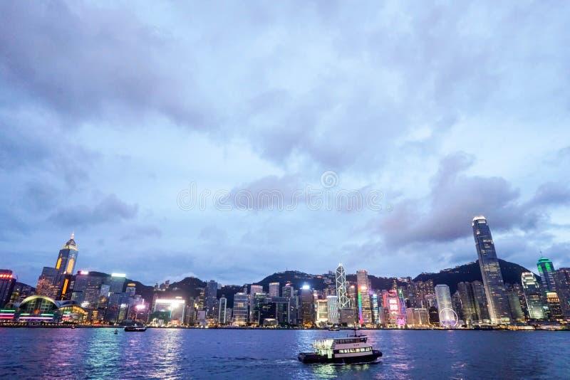 Notte di Victoria Bay Hong Kong fotografia stock libera da diritti