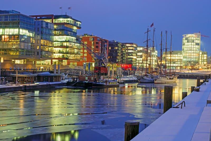 Notte fredda a Amburgo fotografia stock