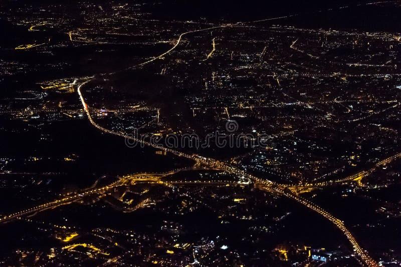 Notte Mosca dall'aereo immagine stock libera da diritti