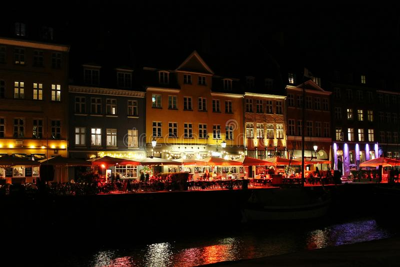 Notte Nyhavn Copenhaghen fotografia stock