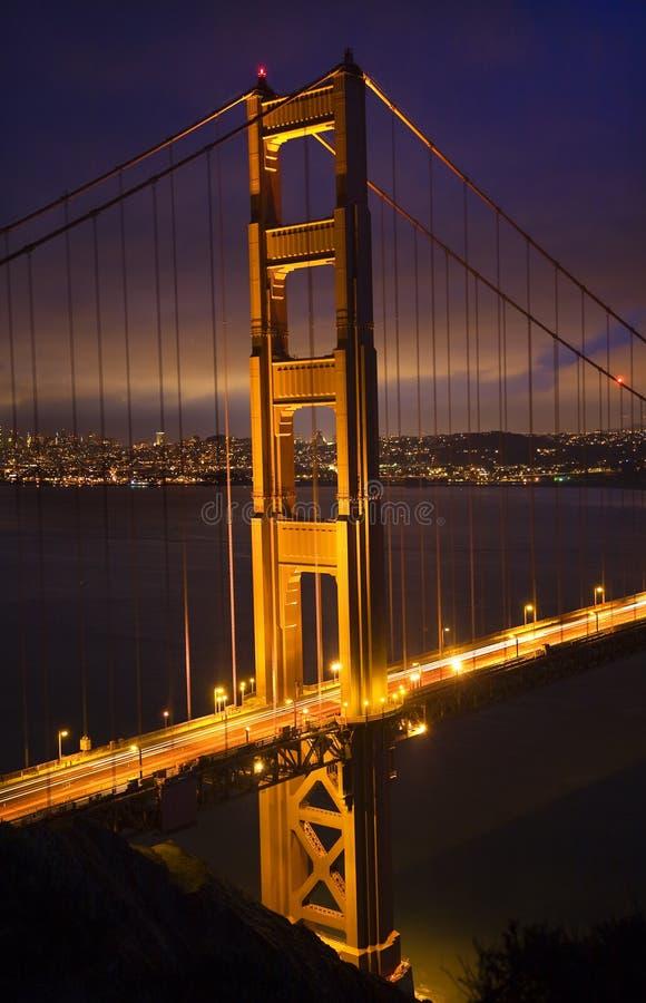 Notte San Francisco del ponticello di cancello dorato fotografia stock