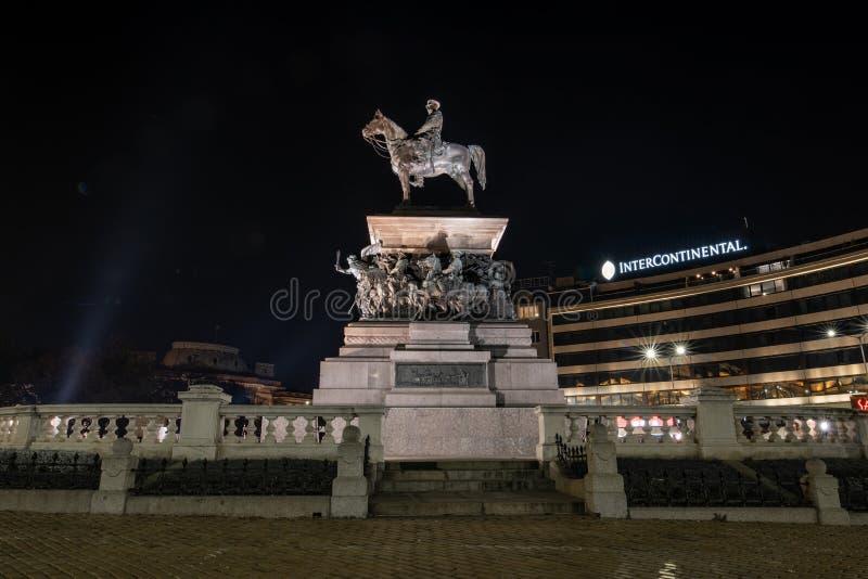 Notte sparata del monumento allo zar russo Alessandro II, Sofia, bulgaro fotografie stock libere da diritti