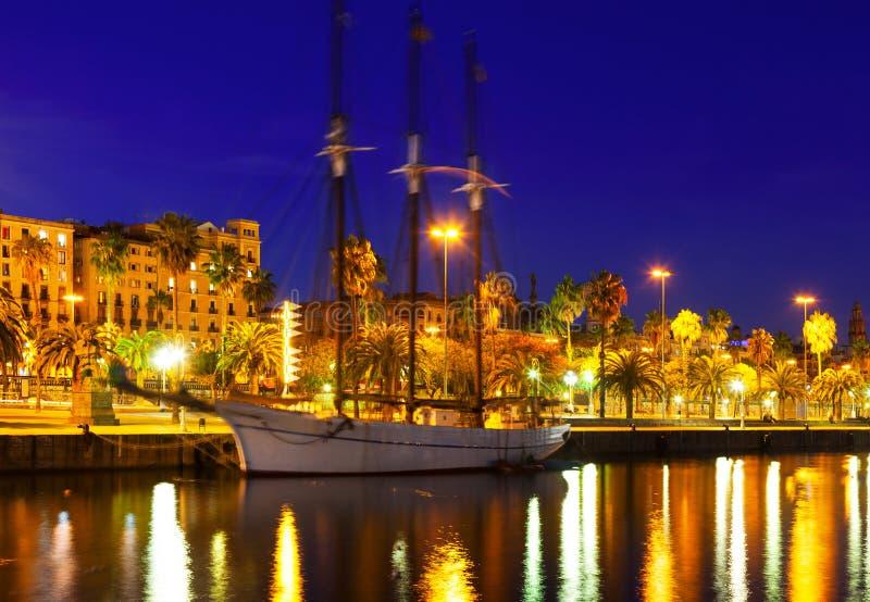 Notte sparata di porto Vell Barcellona, Spagna fotografia stock