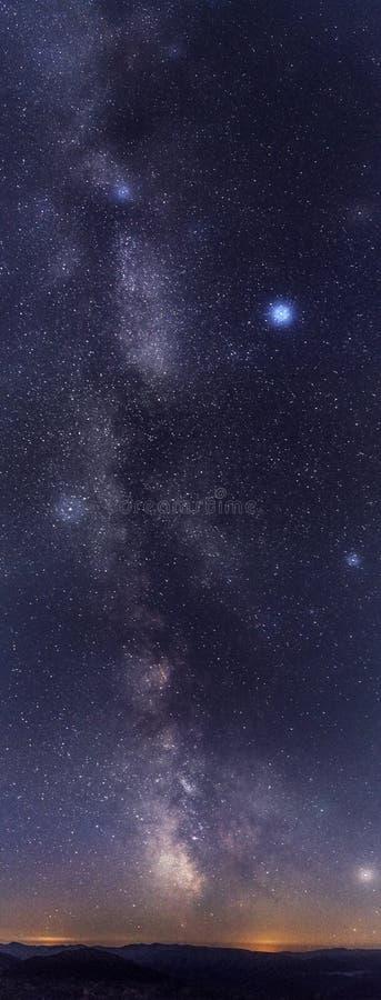Notte stupefacente della stella con la parte del sud della Via Lattea immagini stock
