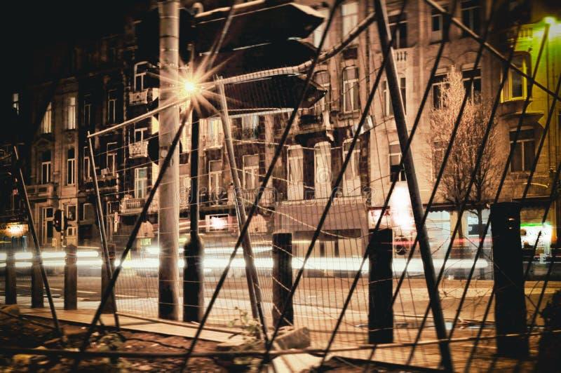 Notte urbana del fondo della via e del bokeh di Halloween fotografie stock libere da diritti