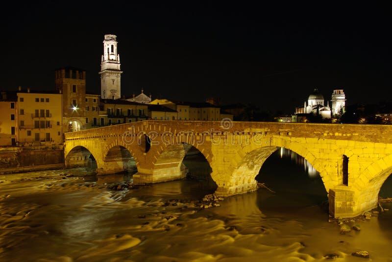 Notte a Verona, Italia fotografia stock