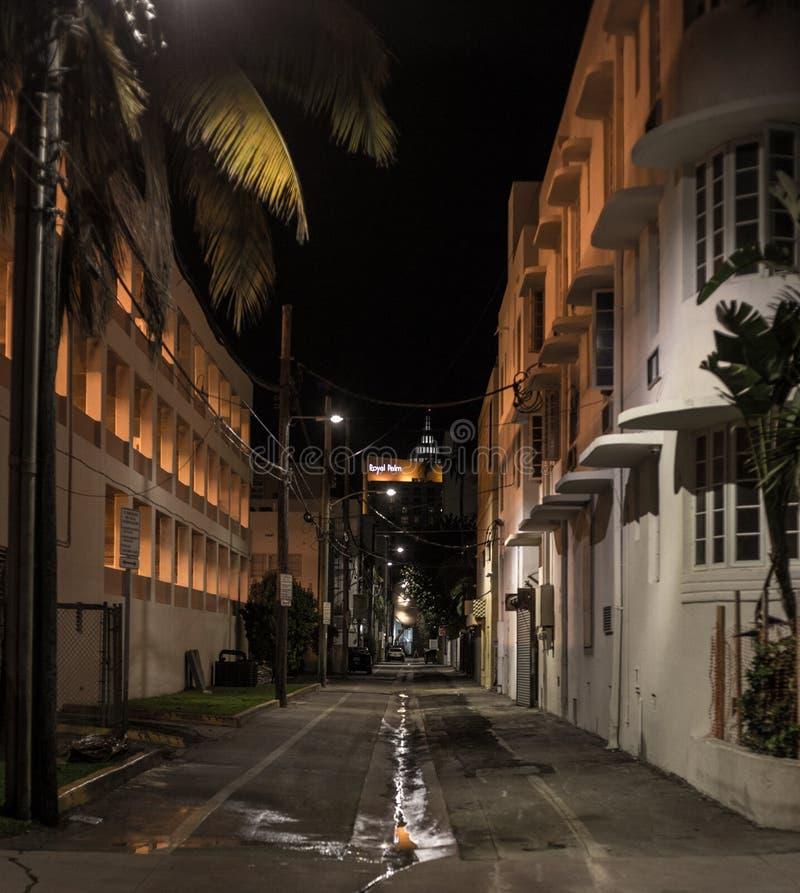 Notte Vice City di modo del vicolo di Miami immagini stock