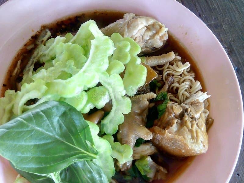 Nouille de poulet photo stock