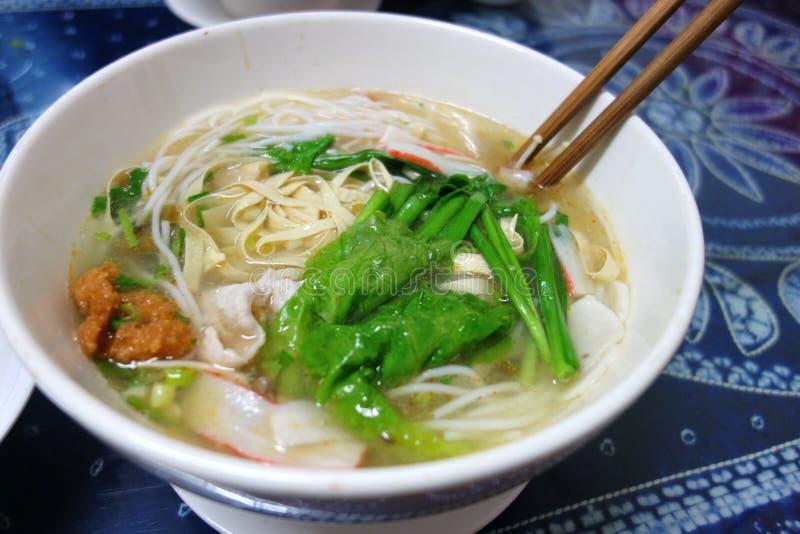 Nouille de riz chinoise de pont croisé images stock