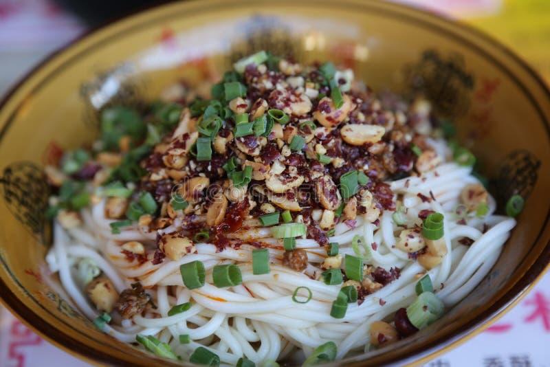 Nouilles épicées de Sichuan image stock