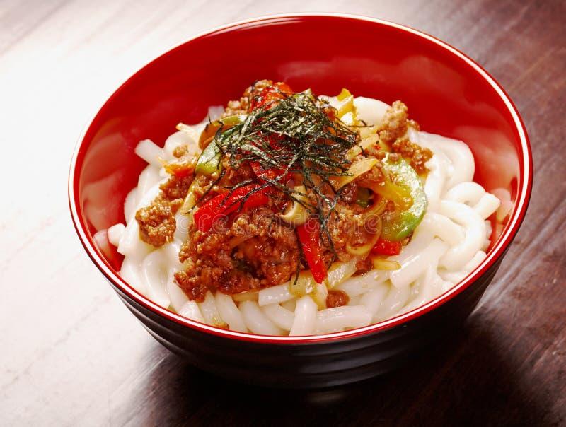 Nouilles d'Udon avec le ragoût de tendon de boeuf photo stock