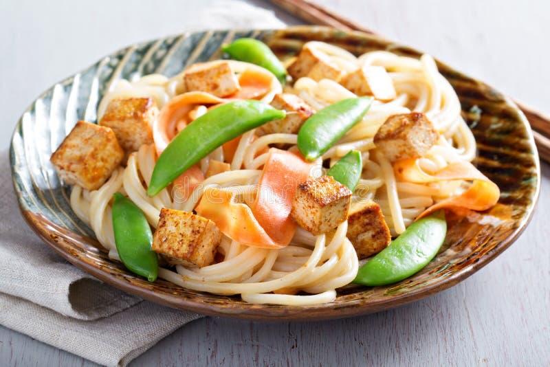 Nouilles de riz avec le tofu et la carotte photographie stock libre de droits
