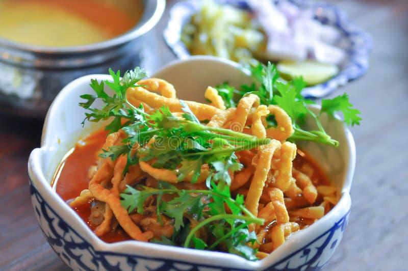 Nouilles, nouilles thaïlandaises ou soi de Khao photo libre de droits
