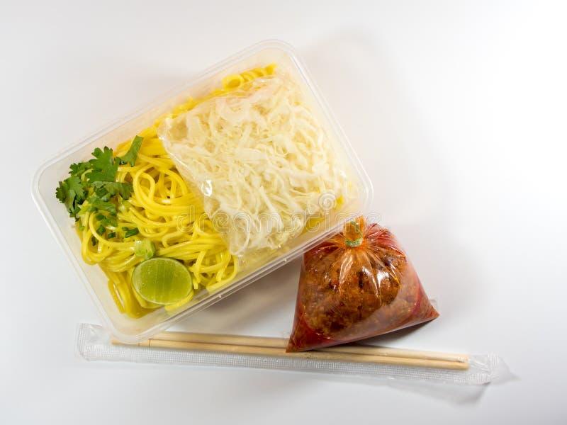 Nourriture à emporter dans le conditionnement en plastique image stock