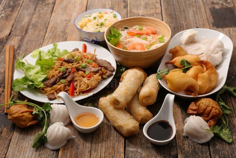 Nourriture asiatique assortie image libre de droits