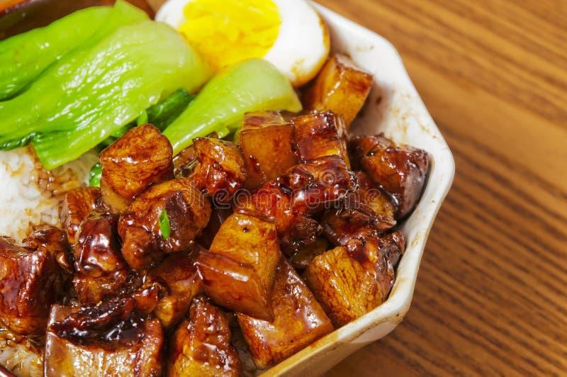 Nourriture chinoise--Braisez en viande de sauce de soja images libres de droits