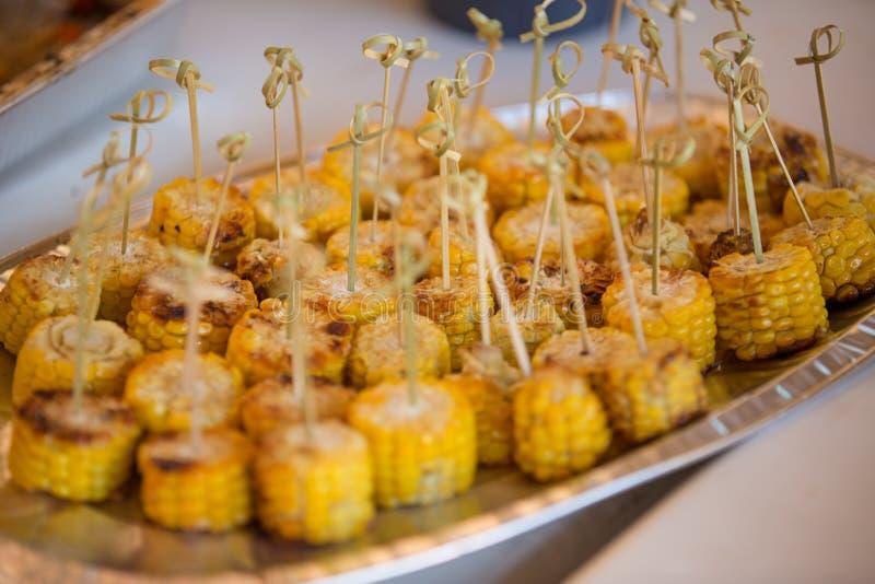 Nourriture d'été Idées pour des parties de barbecue et de gril image libre de droits