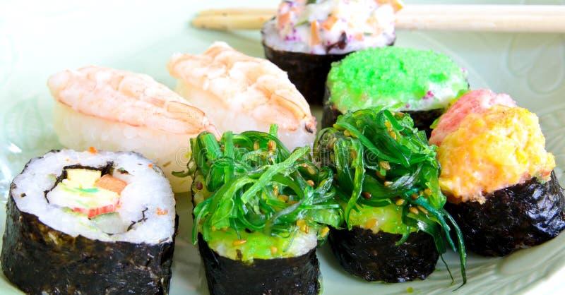 Nourriture de japonais de shushi photo stock image du for Poisson japonais nourriture