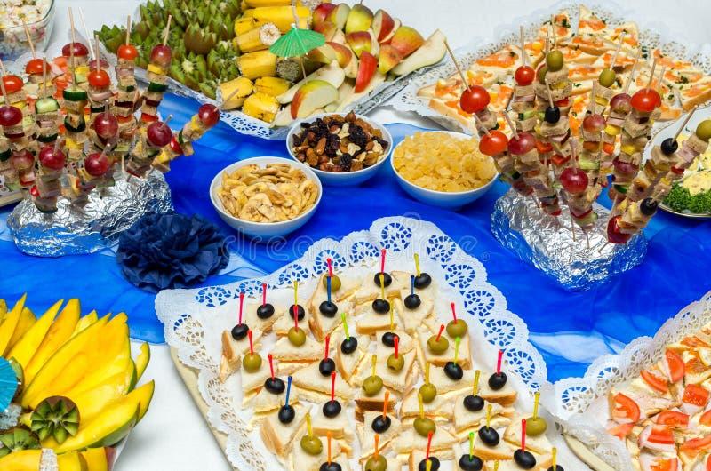 Nourriture de restauration à une réception photo libre de droits