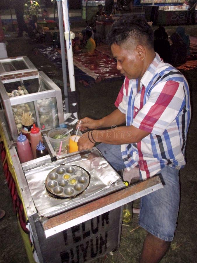 Download Nourriture de rue photo éditorial. Image du constructeur - 76077446